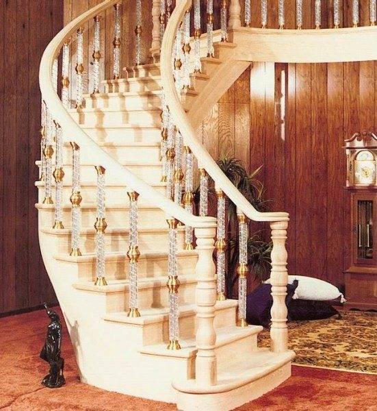 Балясины – необходимая деталь для безопасного передвижения по лестнице