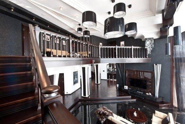 Дизайн лестницы обязательно должен соответствовать интерьеру всего помещения