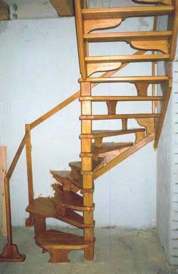Фото готовой деревянной лестницы