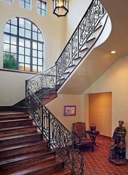 Готовый вид лестницы.