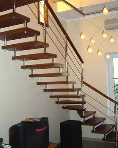 Особенности лестницы на больцах и ее изготовление