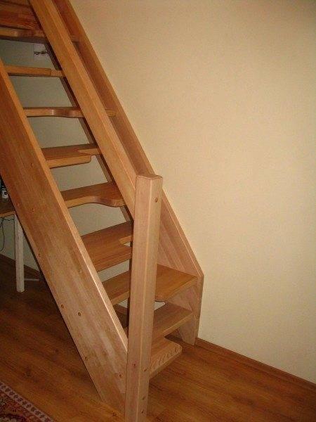 Чем красить лестницу из сосны в доме