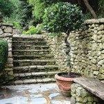 Лестница из естественных камней
