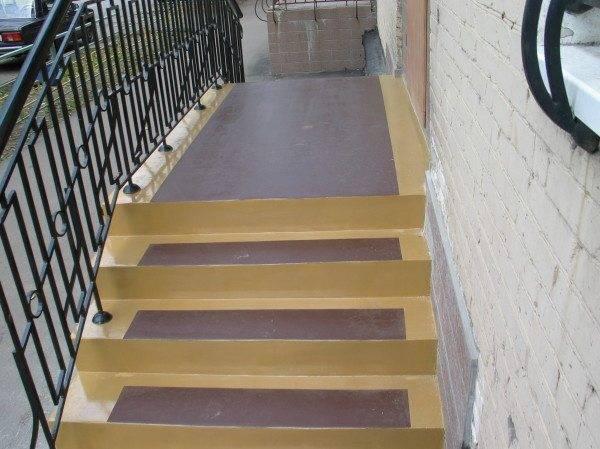 Лестница крыльца – просто, но удобно