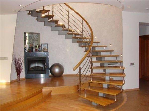 Лестница является не только средством сообщения между этажами, но и одним из основных интерьерных элементов.