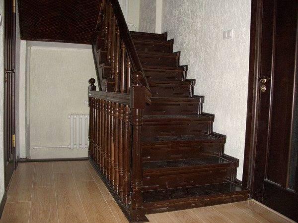 Лестницы металлодеревянные – практично и надежно.