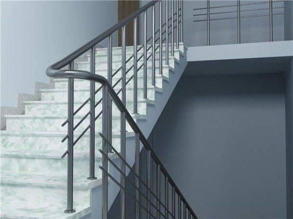 Лестницы основного назначения мало отличаются от гражданских конструкций.