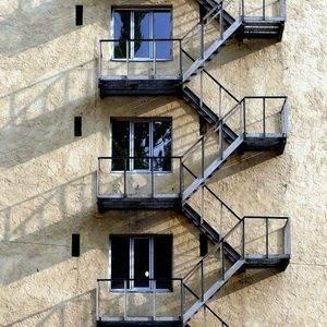 Маршевая металлическая пожарная лестница
