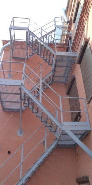 Наружные пожарные лестницы: нормативы, требования, испытания
