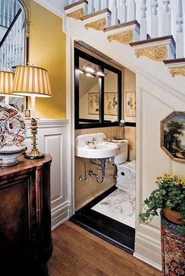 ванная под лестницей на второй этаж фото