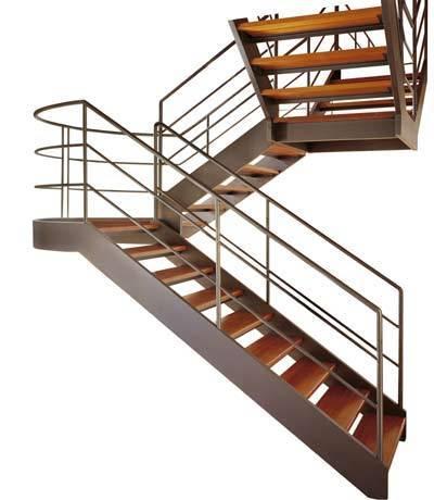 Металлическая лестница на