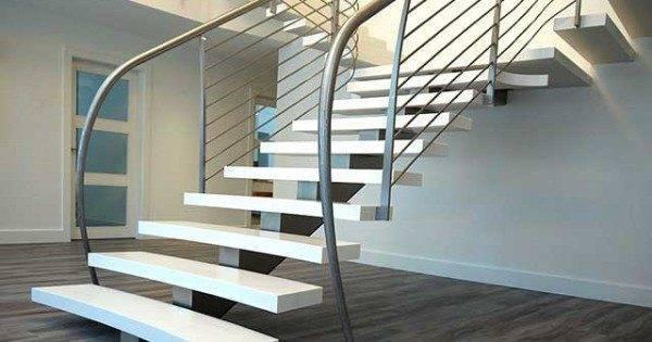 На данном фото представлена комбинированный вариант подъема на 2 этаж — основательная конструкция