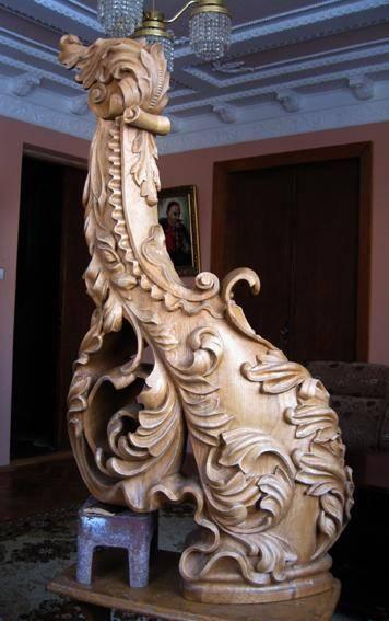 На фото - не античная статуя из экспозиции Эрмитажа, а всего лишь декоративный столб для деревянной лестницы.