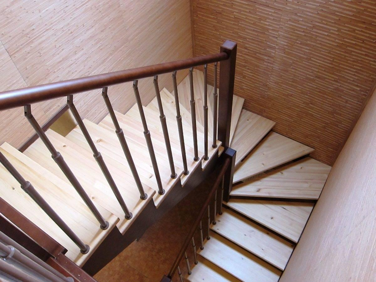 Как сделать лестницу с забежными ступенями своими