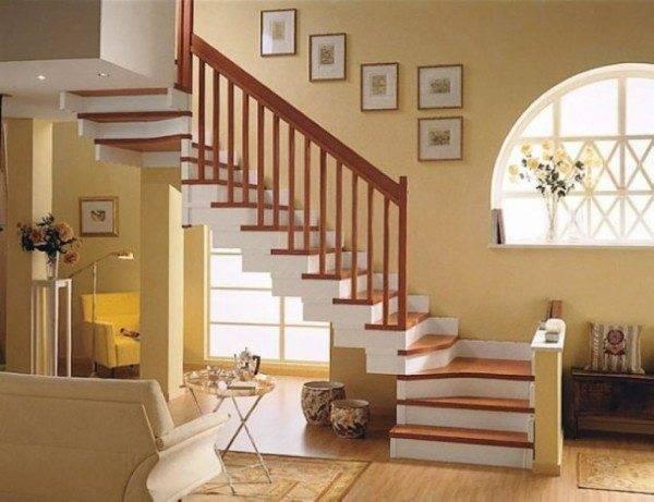 На фото изображен подъемник, гармонично вписавшийся в интерьер помещения.