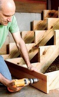 Наглядно показано - как изготовить лестницу своими руками в домашних условиях