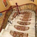 Накладки на ступени лестницы