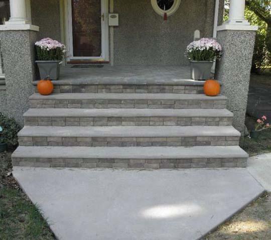 Облицованные монолитные ступеньки для крыльца из бетона