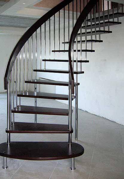 Подвесная лестница – прочная и красивая конструкция