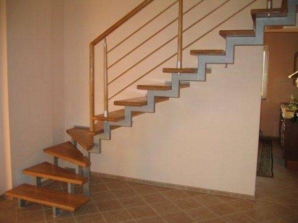 Поворотные модели позволяют экономить место в помещении.
