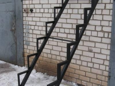 Тетива лестницы из уголка