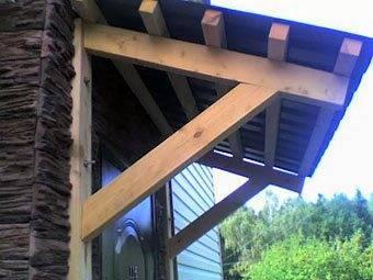 Простейший вариант деревянного козырька