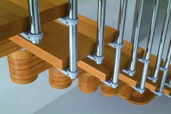 Сборка модульной лестницы требует аккуратности и умения быть последовательным, собственно, как и при работе с любым конструктором, от Лего до авиамоделей