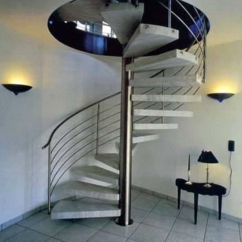 Спиральная конструкция из металла