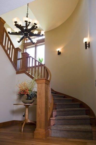 Подсветка ступеней лестницы: виды и области использования