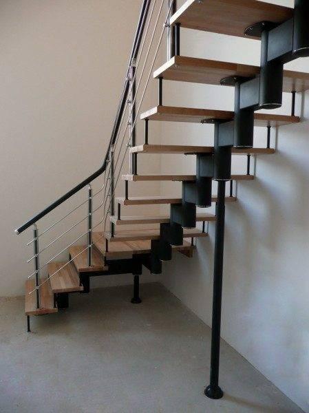 Уже продуманные и готовые к использованию вспомогательные металлические конструкции, инструкция по установке которых прилагается, ещё одно несомненное преимущество модульных лестниц