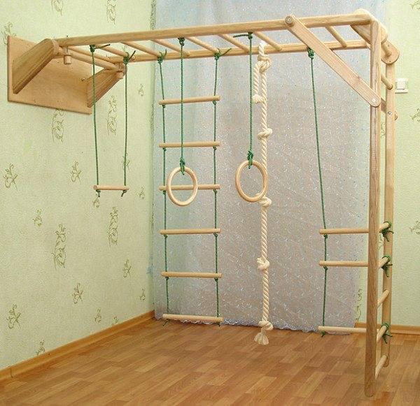 Веревочные и деревянные лестницы