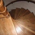 Винтовая лестница из ясеня