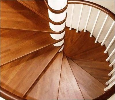 Винтовая лестница с центральной опорой