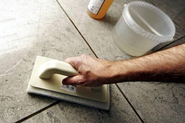 Чем отмыть грунтовку с ламината?