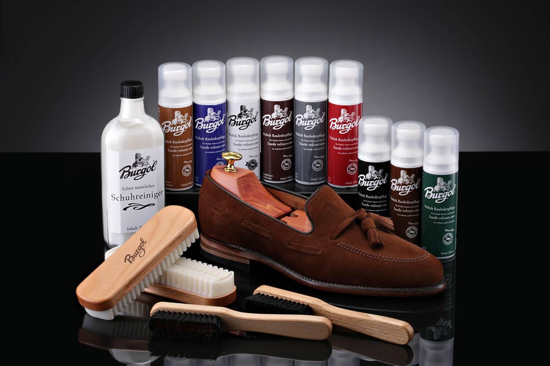 Уход за обувью из замши: как привести в порядок замшевые сапоги дома