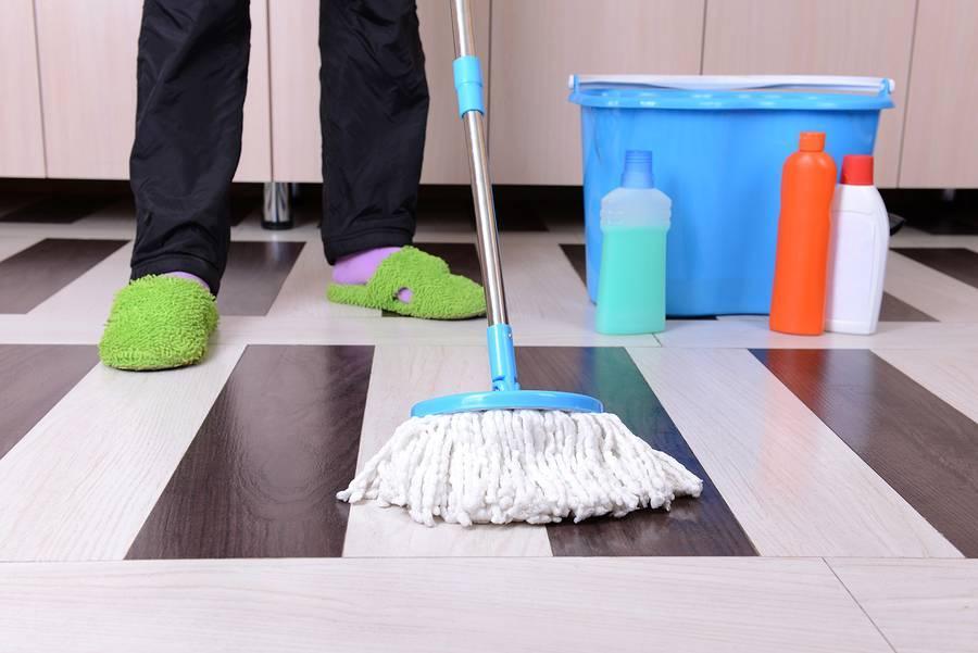 Лучшие средства для мытья полов — помощники домохозяйки
