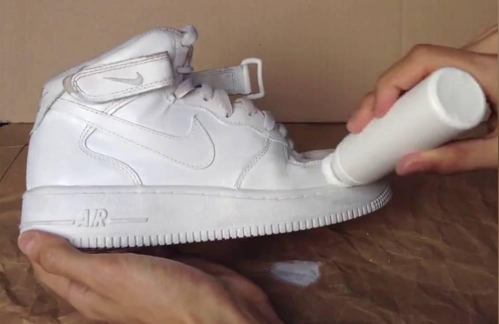 Как отбелить подошву на кроссовках?