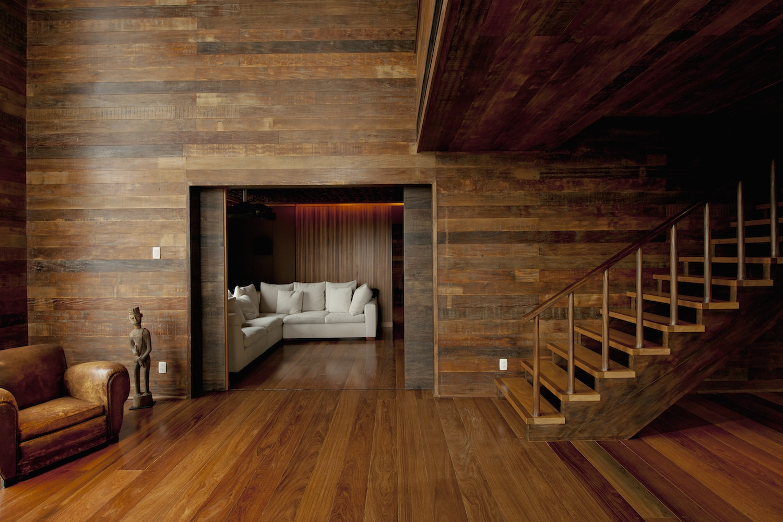 отделка стен деревянного дома внутри фото думала над