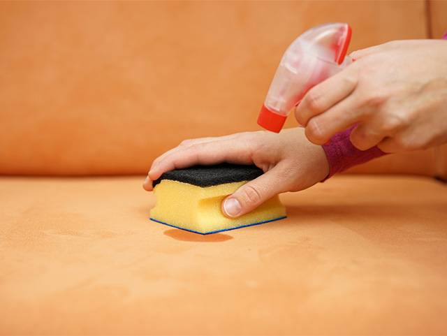 Чем вывести чернила от шариковой ручки с ткани