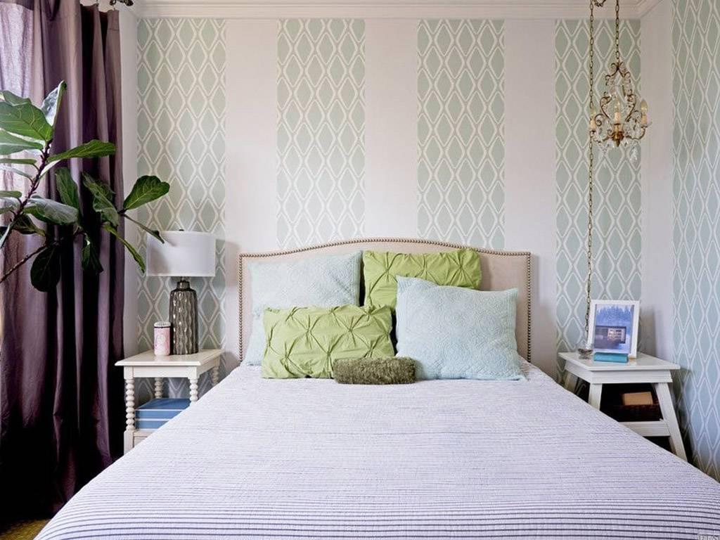 Как наклеить обои в спальне дизайн фото