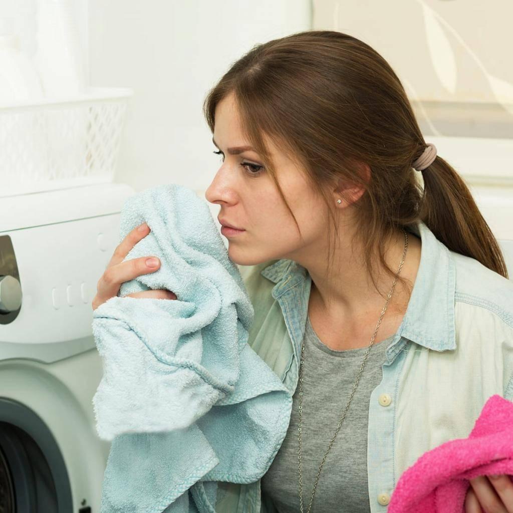Как отстирать кухонные полотенца от запаха?