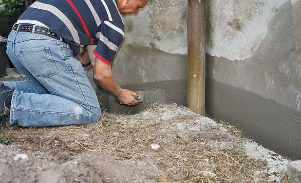 Штукатурка фундамента своими руками: от выбора цемента до затирки поверхности