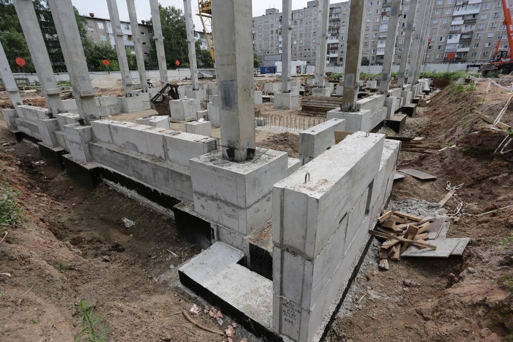 Строительство фундамента с ростверком