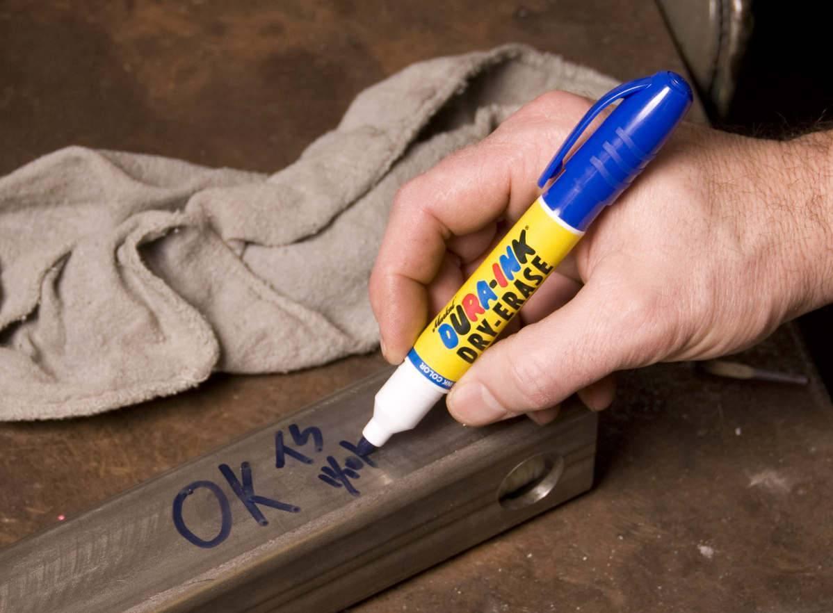 Как и чем можно стереть шариковую ручку и фломастер с обоев без следов?