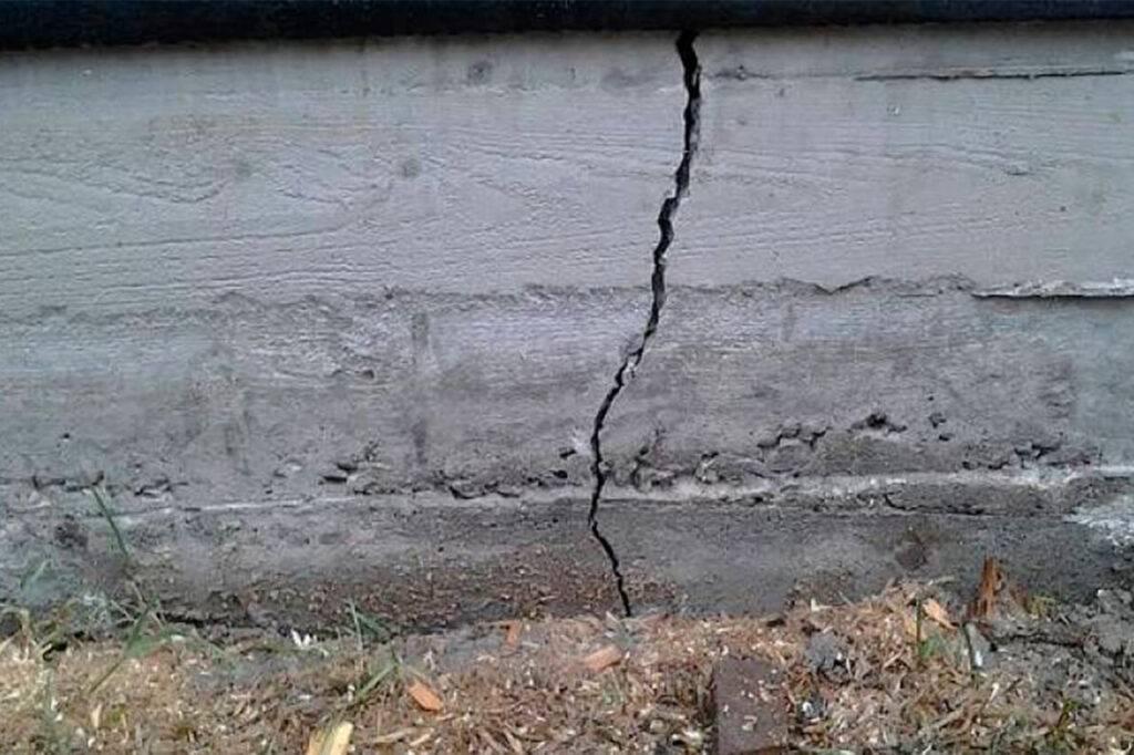Защита фундамента от влаги. защита фундаментов от коррозии, промерзания и разрушения чем покрывают фундамент