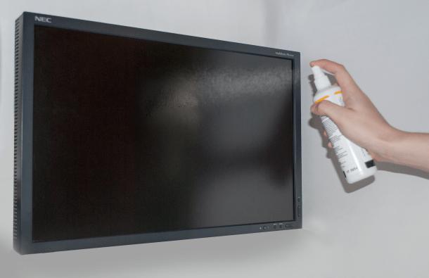 Чем протирать телевизор — популярные способы очистки