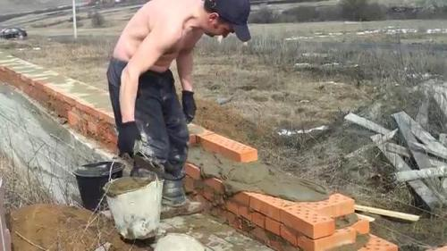 Фундамент из битого кирпича