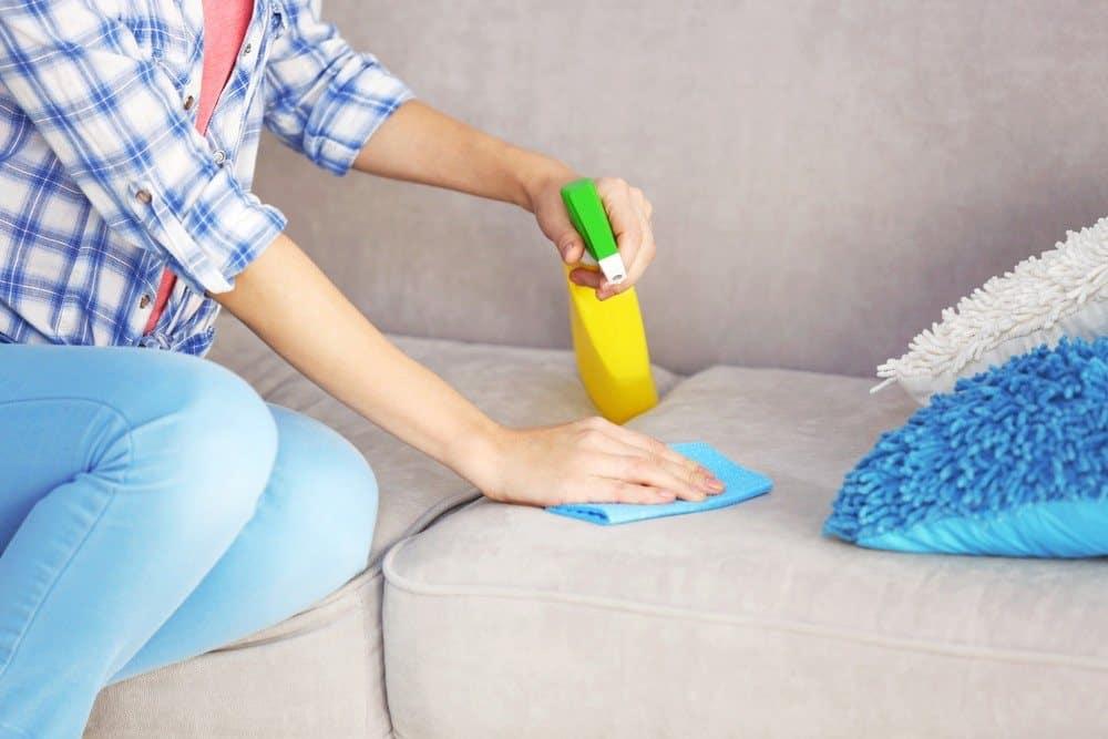 Чистка матраса от пятен и запаха мочи в домашних условиях