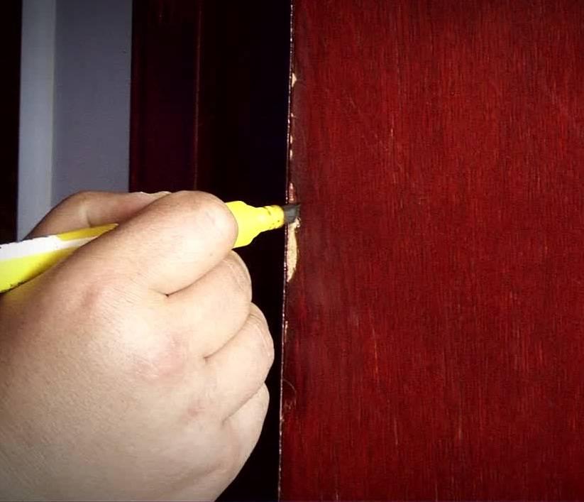 Как замаскировать трещину на зеркале шкафа?