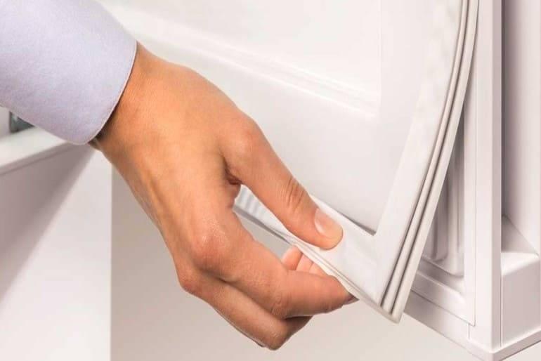 Чем приклеить уплотнительную резинку холодильника